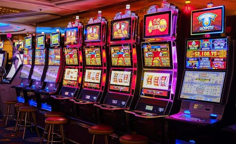The lure of big wins is what makes playing the slots so exciting