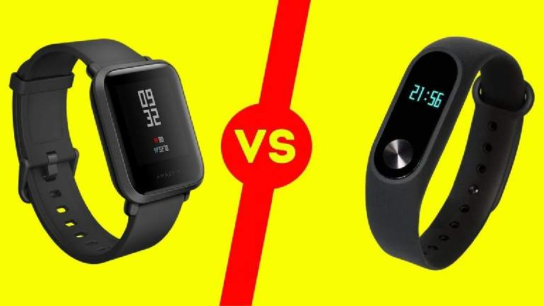 What is the difference between a smartwatch and a fitness band?