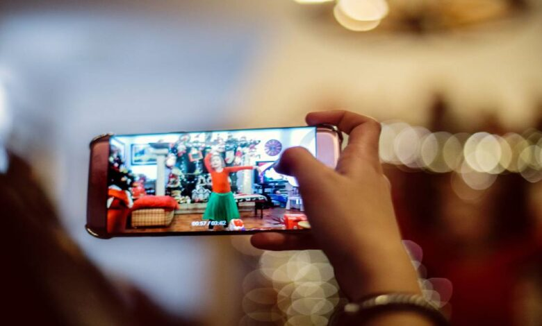 How to take a photo from a video on Android